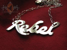 rebel-pendant-20121022_0001