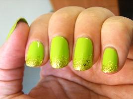 bettina-green-apple-chg-blonde-bombshell