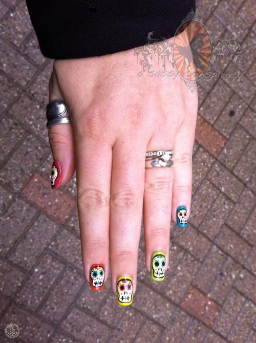 calavaras-manicure-20121031_0001