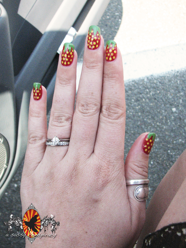 strawberry-manicure20120703_0003