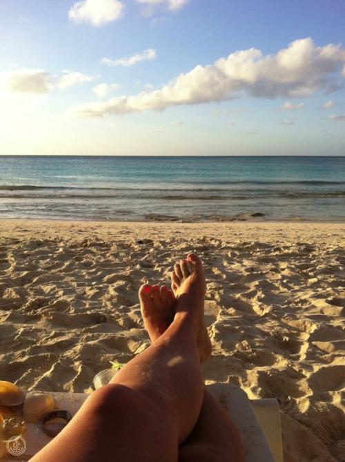 beach-toes