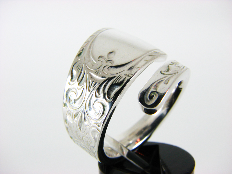 London spoon ring
